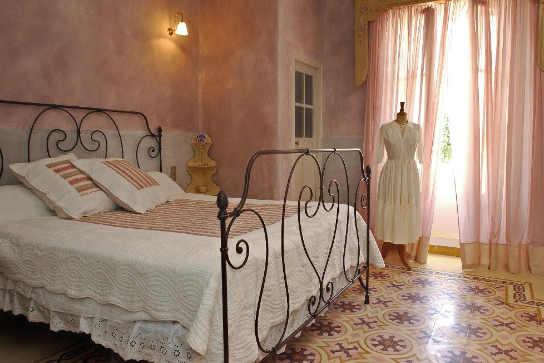 Justin De Provence Maison D 39 H Tes De Charme Orange