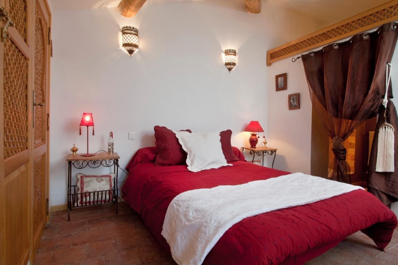 Château Sainte Colombe  Bed & Breakfast St Geniès des