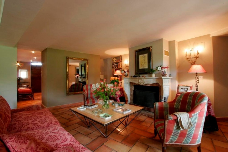 la maison de la bourgade maison d 39 h tes de charme uz s. Black Bedroom Furniture Sets. Home Design Ideas