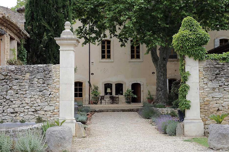 Le galinier maison d 39 h tes de charme lourmarin for Ancienne maison des gardes lourmarin